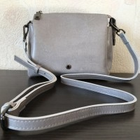 1028_light grey
